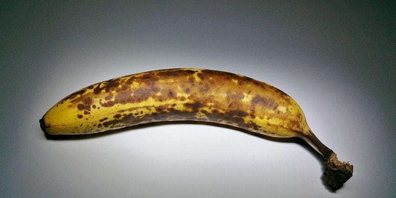Cherneyuschiy_banan_Чернеющий банан