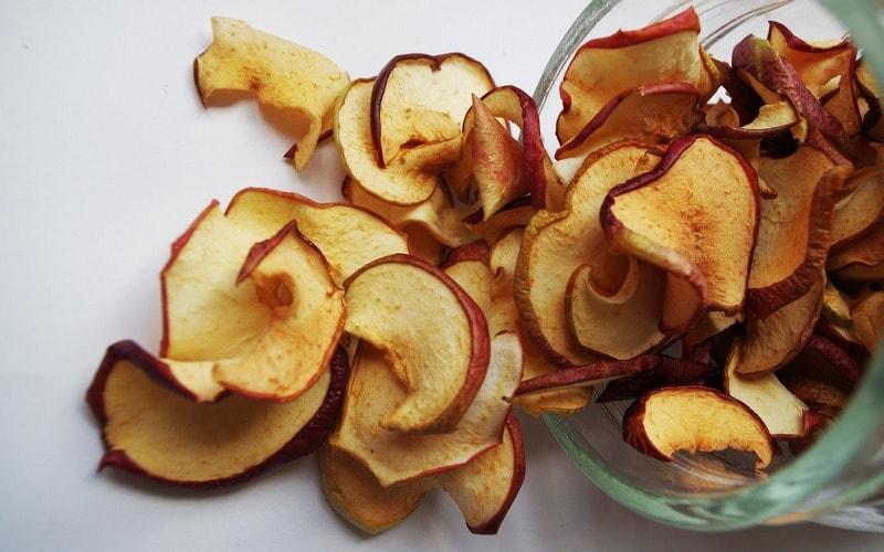 Kak_hranit_sushenye_yabloki_Как хранить сушеные яблоки