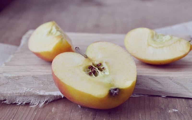 Polza_yablochnyh_kostochek_Польза яблочных косточек