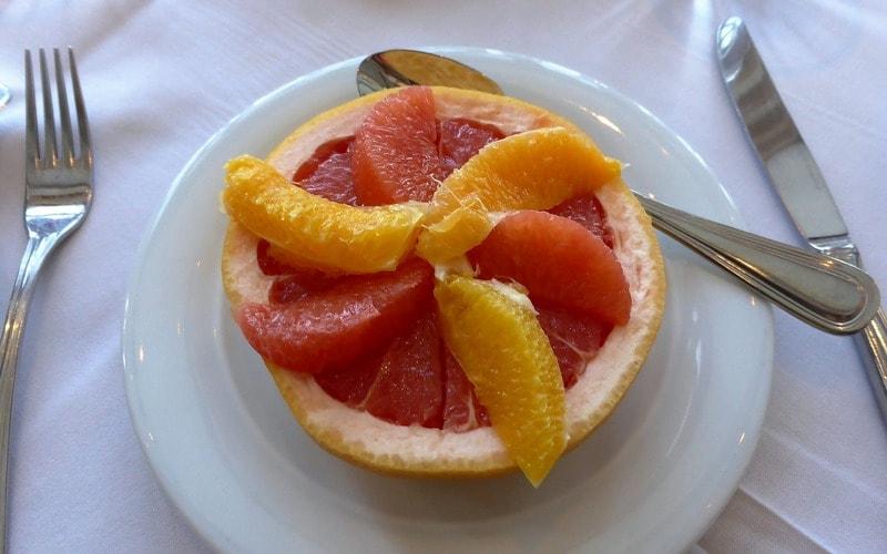 Kak_est_greypfrut_Как есть грейпфрут