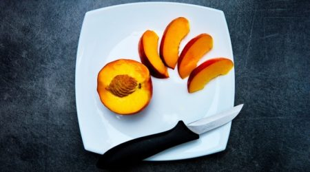 Kak_est_persik_nektarin_Как есть персик и нектарин