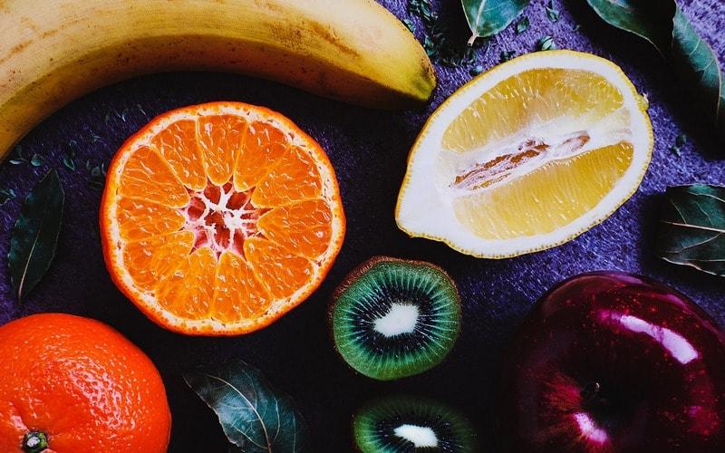 Kak_est_frukty_po_etiketu_Как есть фрукты по этикету