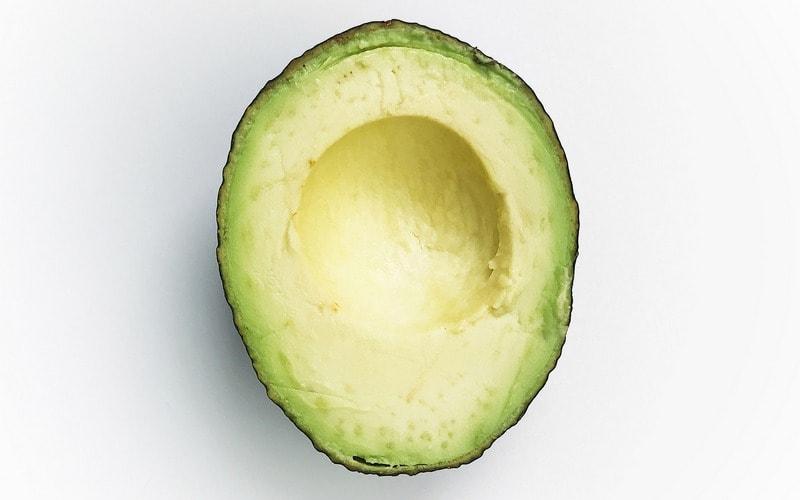 Kak_chistit_avokado_Как чистить авокадо