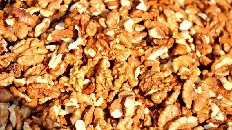 Как в домашних условиях чистить грецкие орехи