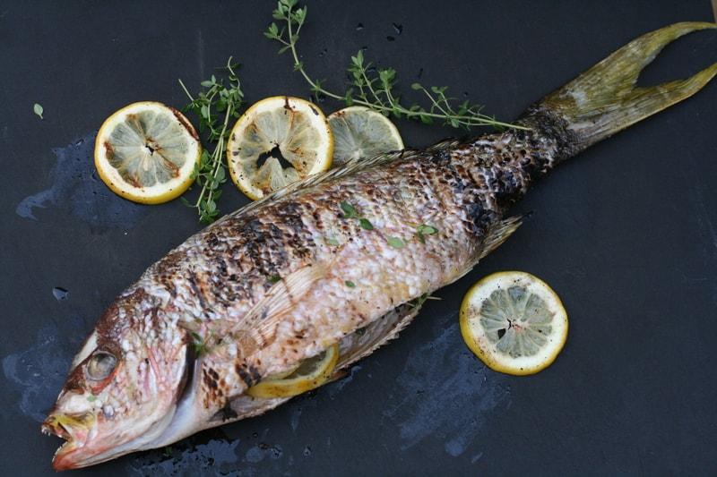 Kak_est_rybu_po_etiketu_v_restorane_Как есть рыбу по этикету в ресторане
