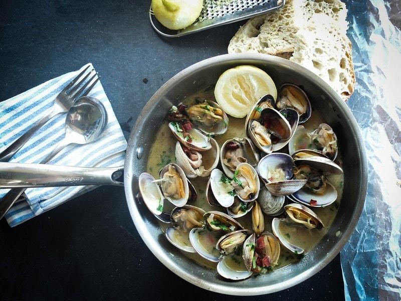 Kak_pravilno_est_moluski_Как правильно есть моллюски