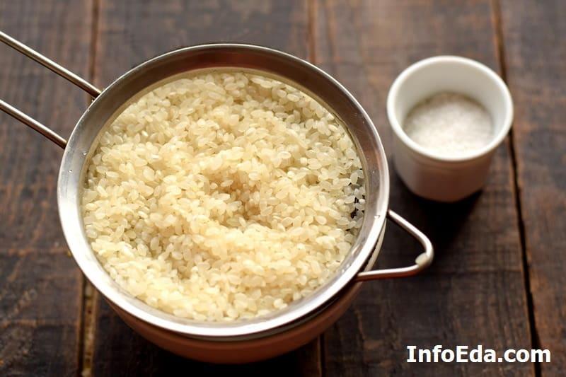 Промываем рис перед варкой