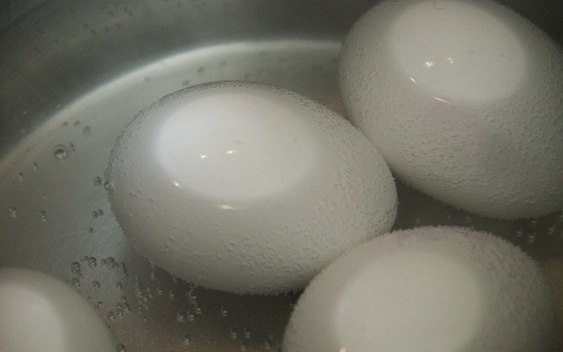Kak_varit_yajca_v_kastryule_Как варить яйца в кастрюле