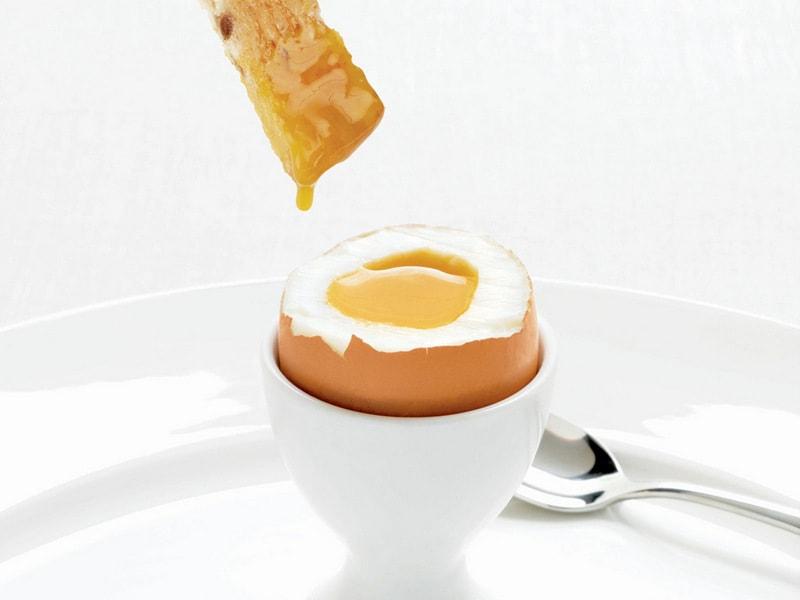 Сколько времени варить яйцо всмятку вкрутую