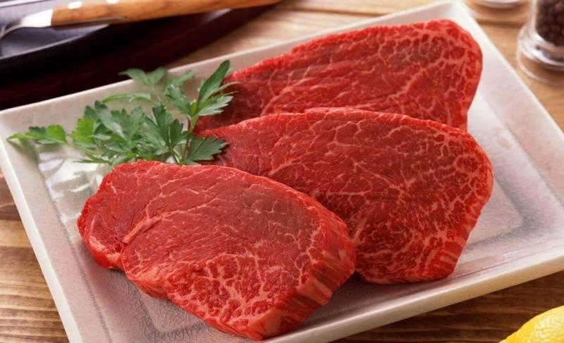 Как пожарить стейк из говядины на сковороде
