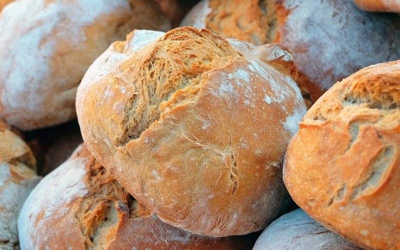 Как есть хлеб по этикету