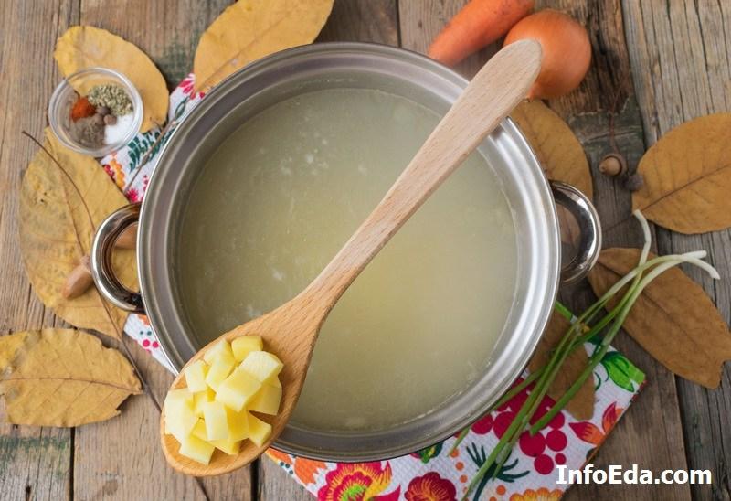 Суп с пельменями картошка бульон