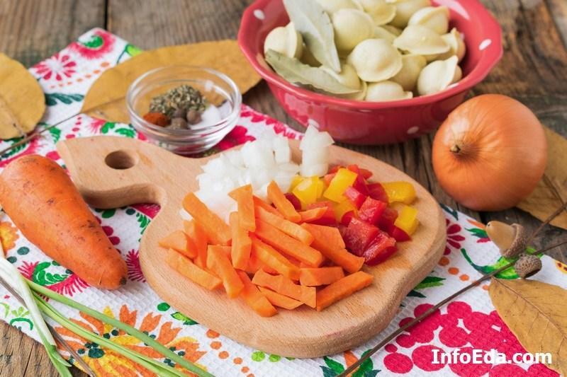 Суп с пельменями морковь лук перец