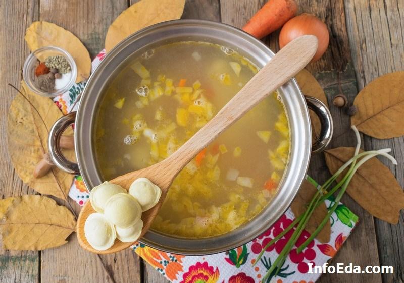 Суп с пельменями пельмени