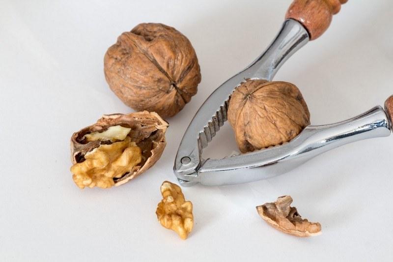 Вред грецкого ореха