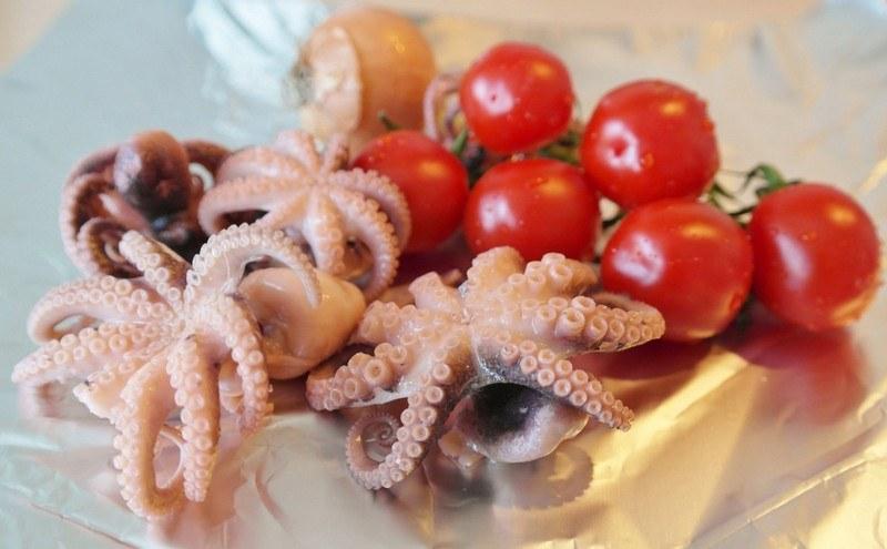 Как варить маленьких осьминогов