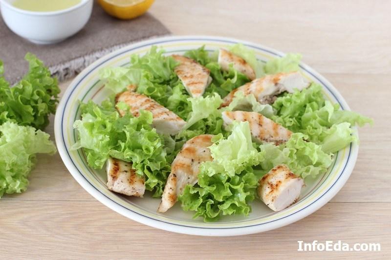 Салат Цезарь - добавляем курицу