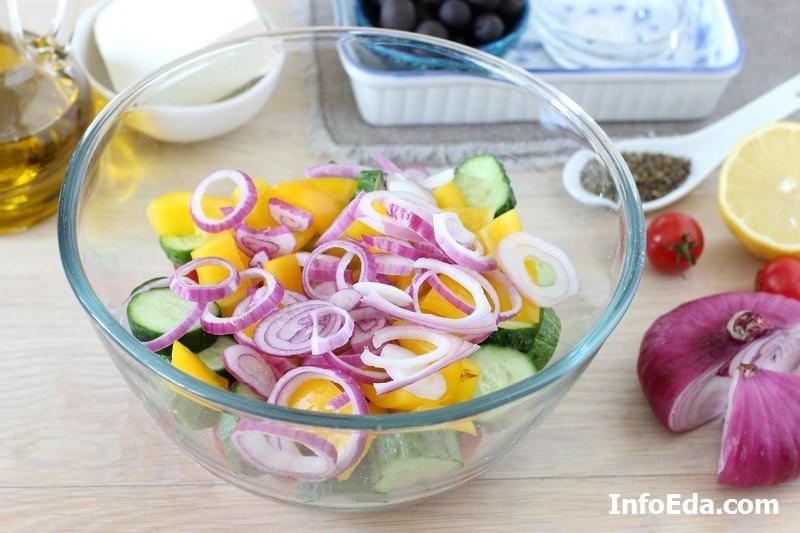 Греческий салат - лук