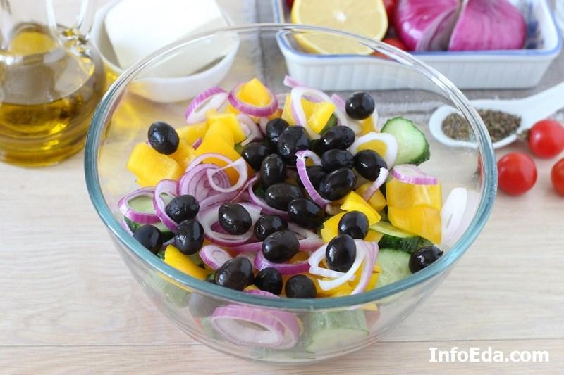 Греческий салат - маслины