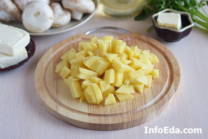 Сырный суп с грибами - картофель