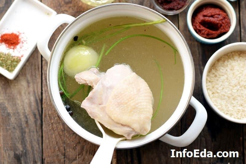 Суп харчо - курица в бульоне