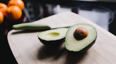 Авокадо - это фрукт или ягода