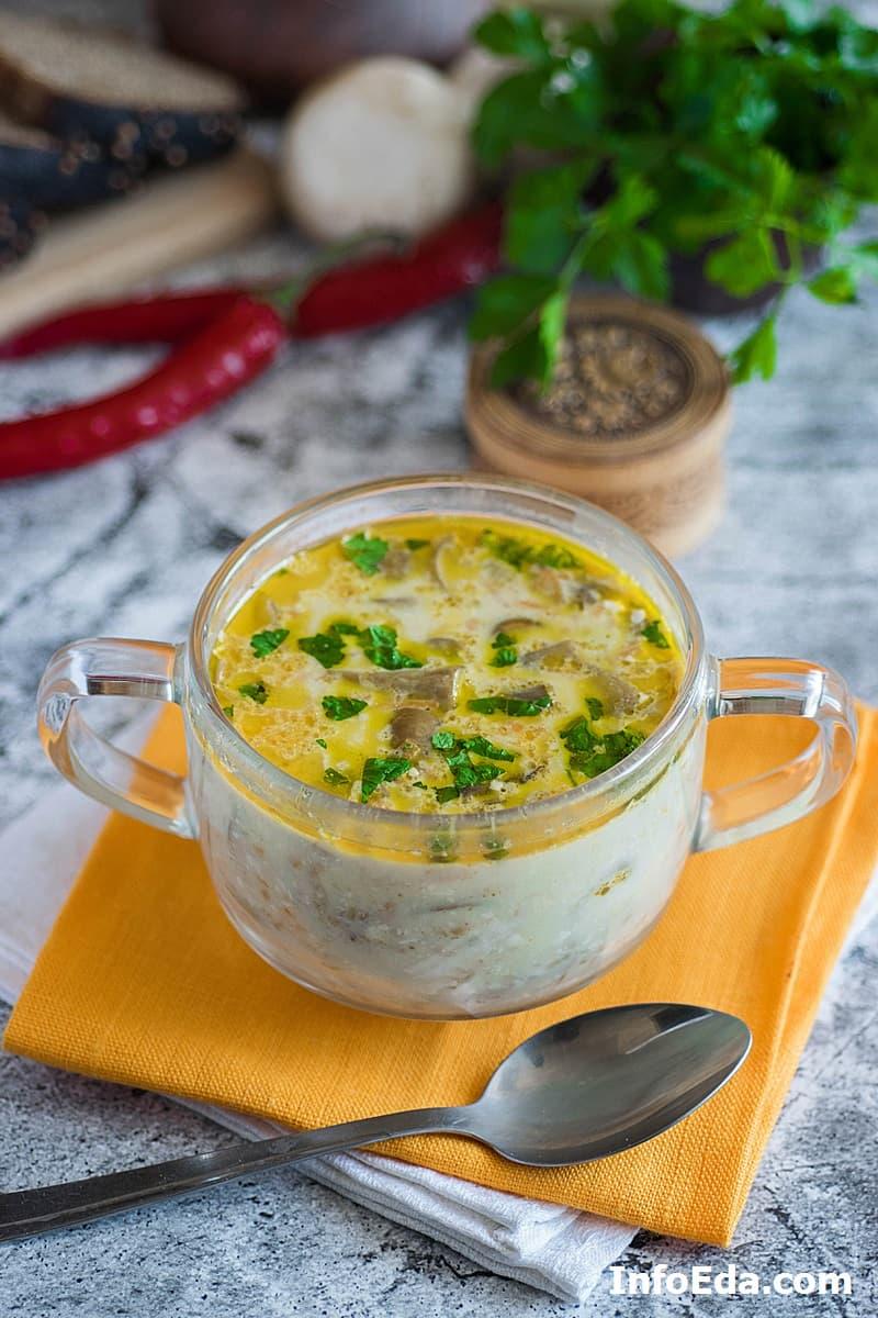 Грибной сырный суп с шампиньонами