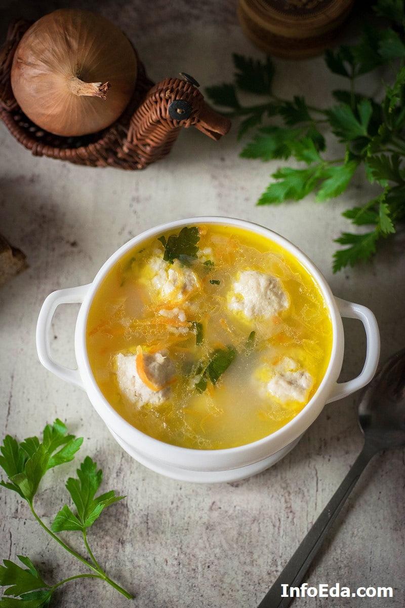 Суп с куриными фрикадельками и картофелем
