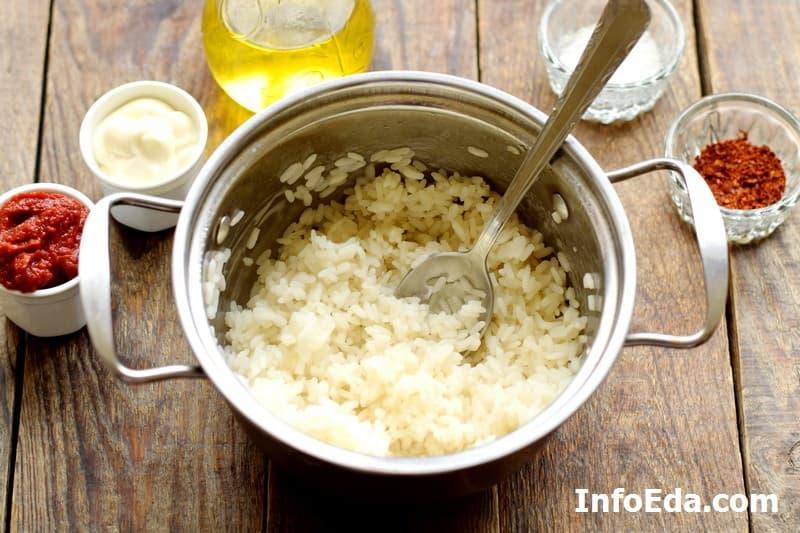 Тефтели с рисом - отварной рис