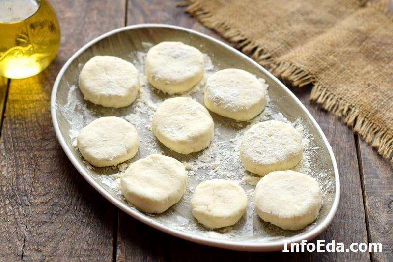 Сырники из творога - заготовки сырников в муке