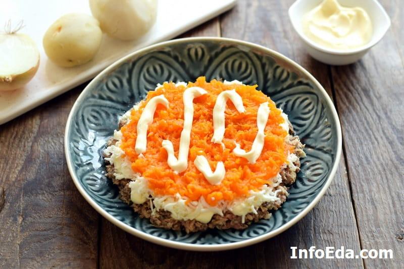 Салат Мимоза - морковь и майонез