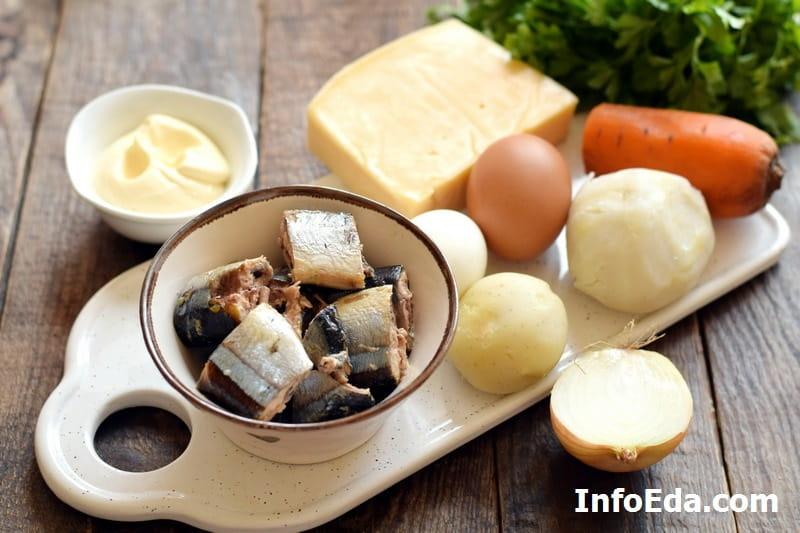 Ингредиенты для салата Мимоза с сайрой