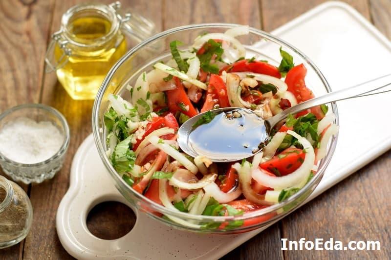 Быстрые маринованные помидоры - заправка соусом