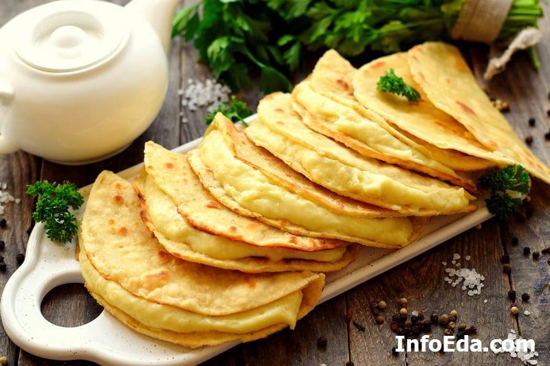 Кыстыбай с картошкой по-татарски