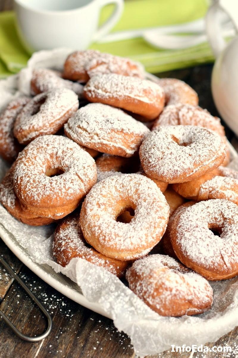 Пончики классические с сахарной пудрой