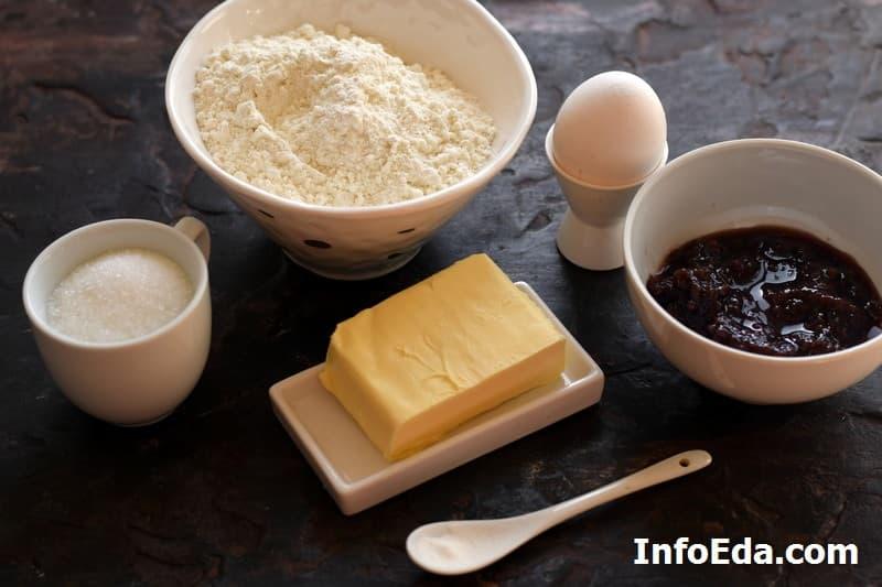 Ингредиенты для тертого пирога с вареньем