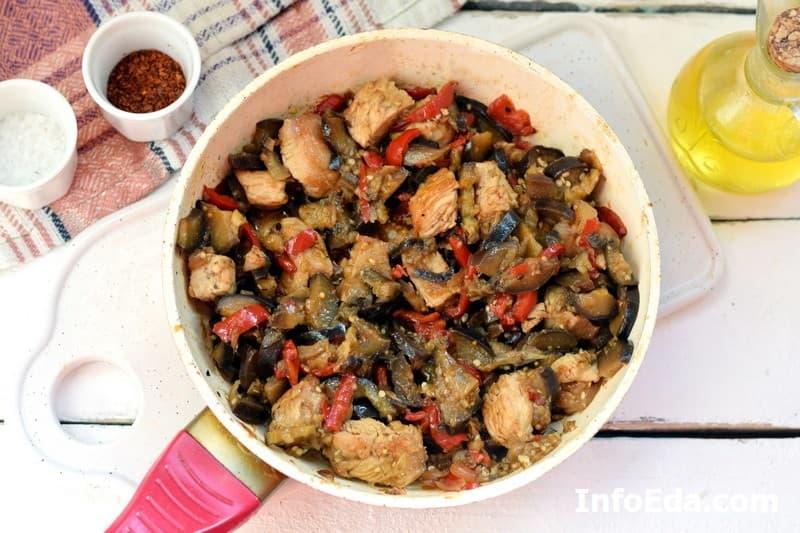 Индейка с овощами - тушение филе и овощей