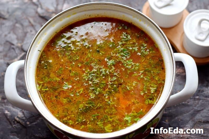 Суп с консервированной фасолью - добавляем свежую зелень