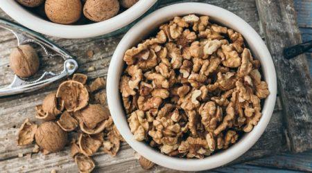Сколько грамм грецких орехов в стакане
