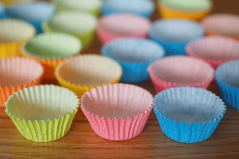 Смазывать ли бумажные формы для выпечки
