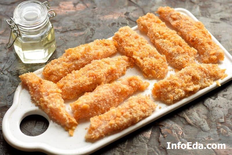 Кусочки филе в панировке для наггетсов