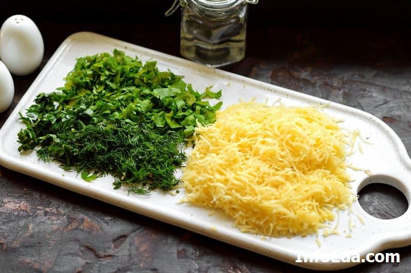 Тертый сыр и зелень