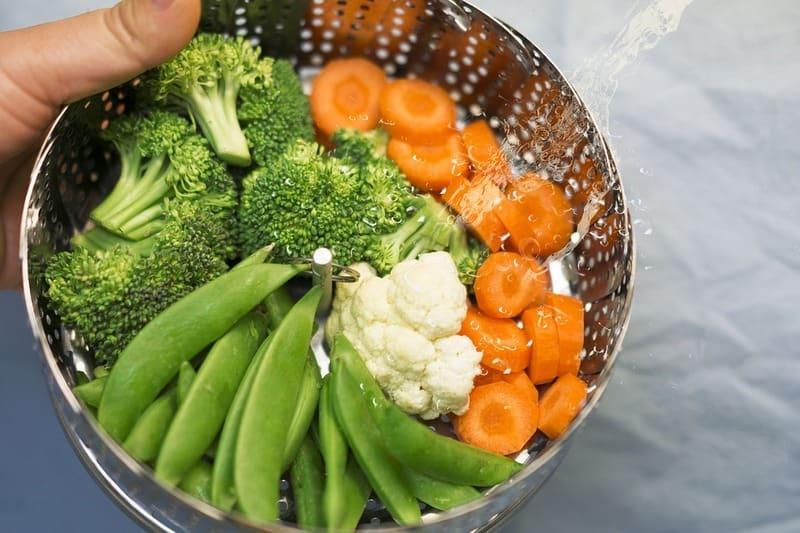 Как и сколько бланшировать овощи