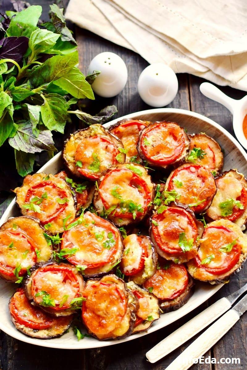 Баклажаны запеченные с сыром, помидорами и чесноком